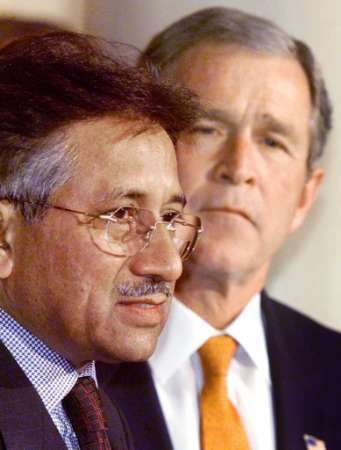 Bush et Musharraf