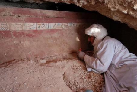 1203371598579la-tumba-del-faraondn.jpg