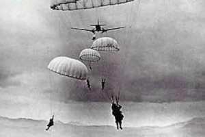 Las divisiones aerotransportadas que intervinieron en el desembarco de Normandía aterrizarían en la retaguardia de las fuerzas alemanas.