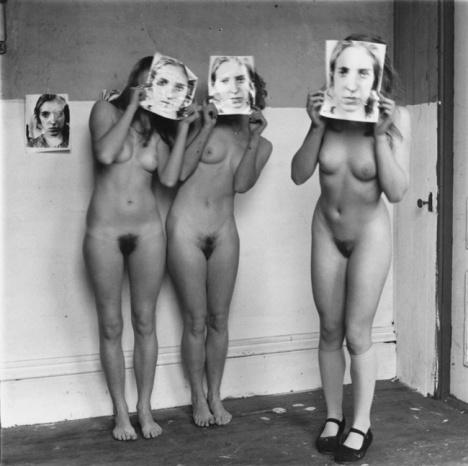 En sus fotos no encontramos la muerte, sino de la misma naturaleza de la vida. Francesca Woodman (La Fábrica)
