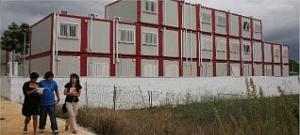 Instituto de Dénia que está montado con aulas prefabricadas superpuestas de hasta tres alturas. tino calvo