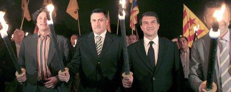 Joan Laporta, acompañado de los líderes de ERC, Jordi Portabella (i) , Joan Puigcercós (2i) y Oriol Amoros (Efe).