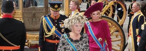 Beatriz de Holanda, junto a su hijo Guillermo y Maxima de Zorreguieta (I.C.)