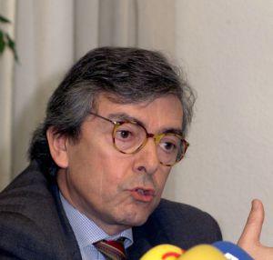 El abogado y exdiputado del PP Jorge Trías Saigner en 2001. / GUSTAVO CUEVAS (EFE)