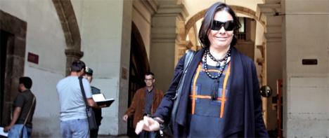 La exsubsecretaria de Presidencia de la Generalitat, Isabel Villalonga, sale de los Juzgados.