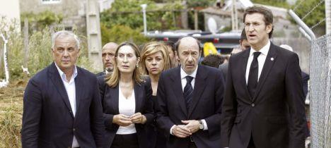 Alfredo Pérez Rubalcaba (2d), Elena Valenciano (c), Alberto Núñez Feijóo (d), Ana Pastor (2i) y Pachi Vázquez (i). (Efe