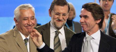 José María Aznar (d), Javier Arenas (i) y Mariano Rajoy. (Efe)
