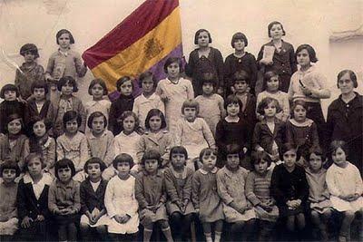 54868_maestra_alumnas_Saucejo