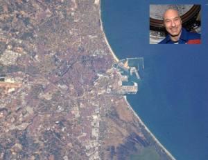 Valencia vista desde el espacio (tomada en Facebook)