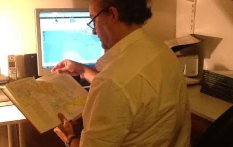 Luis Múzquiz en la habitación donde ha desarrollado GeaCron