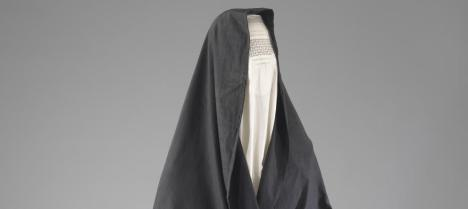 Chader de mujeres judías en Herat, a mediados del siglo XX. Leer más:  Las judías también visten burka - Noticias de Cultura  http://bit.ly/PEBt2K