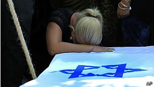 53 miembros de las Fuerzas de Defensa de Israel han muerto, así como dos civiles israelíes.