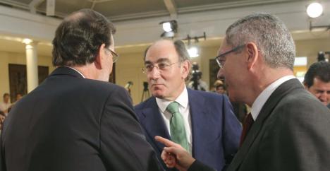 Mariano Rajoy, Ignacio Sánchez Galán (Iberdrola) y Alberto Ruiz-Gallardón. (Efe)