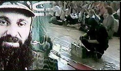 En 2004, la toma de rehenes registrada en la escuela de la localidad rusa de Beslan fue presentada como una acción de los yihadistas chechenos y Shamil Basaev reclamó su autoría en nombre del Emirato Islámico de Ichkeria. El saldo fue de 376 muertos, principalmente niños. Pero la mayoría de los yihadistas no se habían destacado por la realización de ese tipo de acciones de carácter político religioso. Las autopsias revelaron que todos los secuestradores habían actuado bajo el efecto de drogas químicas particularmente sofisticadas.