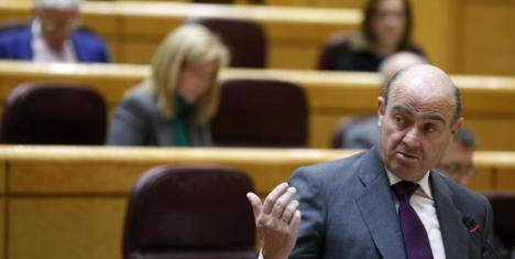 El ministro de Economía Luis de Guindos en el Senado.