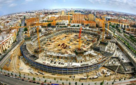 Las obras del estadio de Mestalla (Valencia), paralizadas desde 2009. / Tanio Castro
