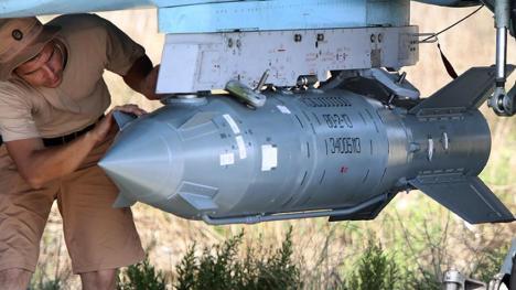 Las bombas rusas guiadas por satélite KAB-500S. (Foto: Armament Research/Alexander Kots/Komsomolskaya Pravda)
