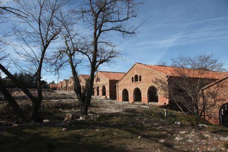 Les antigues instal·lacions militars de Los Castillejos