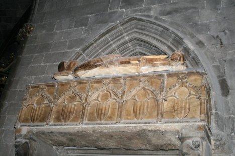 Sepulcro gótico de Ramon Berenguer II. Catedral de Gerona